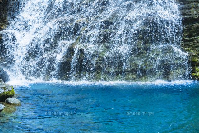 安居渓谷飛龍の滝[02335006534]の写真素材・イラスト素材|アマナイメージズ