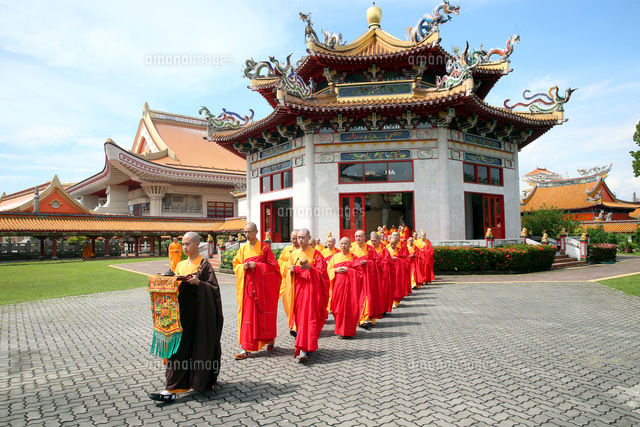 Buddhist ceremony, Liberation Rite of Water and Land, Kong Meng San Phor Kark See Monastery, Singapore, Southeast Asia, Asia 20062064360| 写真素材・ストックフォト・画像・イラスト素材|アマナイメージズ