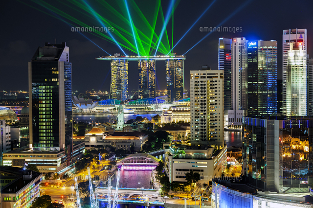 Singapore, Elevated view over the Entertainment district of Clarke Quay, the Singapore river and City Skyline 20088073205| 写真素材・ストックフォト・画像・イラスト素材|アマナイメージズ
