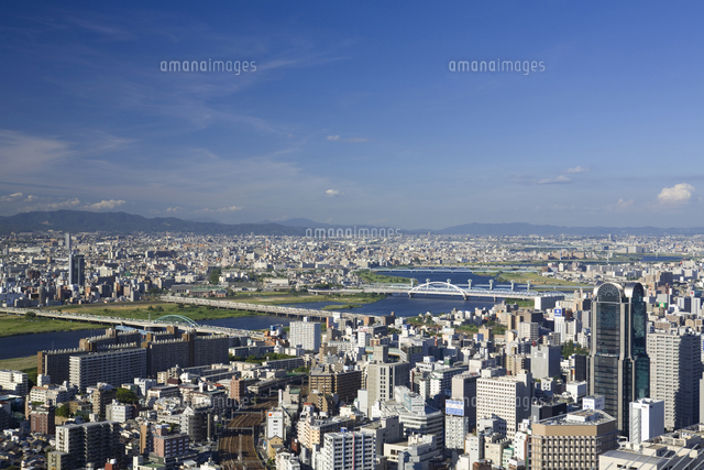 大阪市街と空