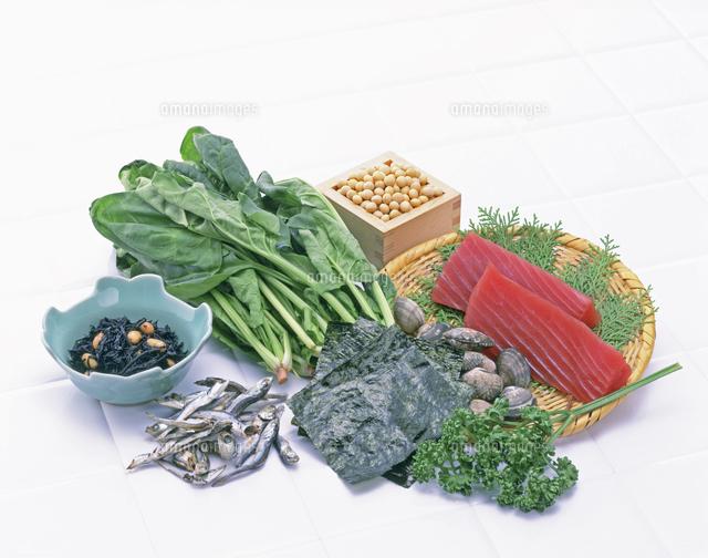 鉄分を多く含む食品[10285001905]の写真素材・イラスト素材|アマナイメージズ