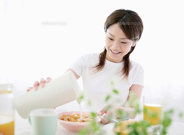 を 注ぐ 人 牛乳 ようやく逢えたフェルメールの「牛乳を注ぐ女」に大感激!