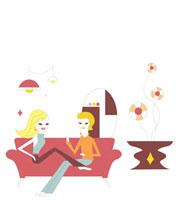 リビングのソファに座るカップル 02419000021| 写真素材・ストックフォト・画像・イラスト素材|アマナイメージズ