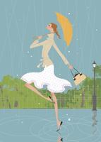 梅雨の雨の中公園で傘を持ちながらスキップする女性 02674000002| 写真素材・ストックフォト・画像・イラスト素材|アマナイメージズ