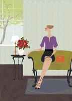 ホテルのロビーのソファで座っている女性 02674000013| 写真素材・ストックフォト・画像・イラスト素材|アマナイメージズ