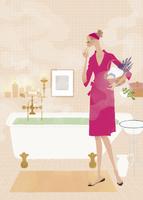 バスルームでこれからお風呂に入る女性 02674000015| 写真素材・ストックフォト・画像・イラスト素材|アマナイメージズ