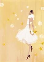 クリスマスオーナメントの中で立っているドレス姿の女性 02674000038| 写真素材・ストックフォト・画像・イラスト素材|アマナイメージズ