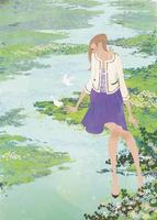 春の水辺で小鳥と遊ぶ女性 02674000050| 写真素材・ストックフォト・画像・イラスト素材|アマナイメージズ