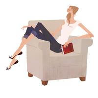ソファで本を片手にくつろぐ女性 02674000053| 写真素材・ストックフォト・画像・イラスト素材|アマナイメージズ