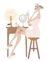 バスタイムのあとに肌のケアをしている女性 02674000079| 写真素材・ストックフォト・画像・イラスト素材|アマナイメージズ