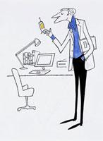 携帯を持つ男性 20037001086  写真素材・ストックフォト・画像・イラスト素材 アマナイメージズ